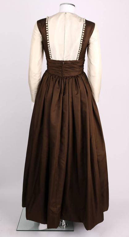GEOFFREY BEENE A/W 1968 Brown Winter White Silk Faille Evening Gown Dress 4