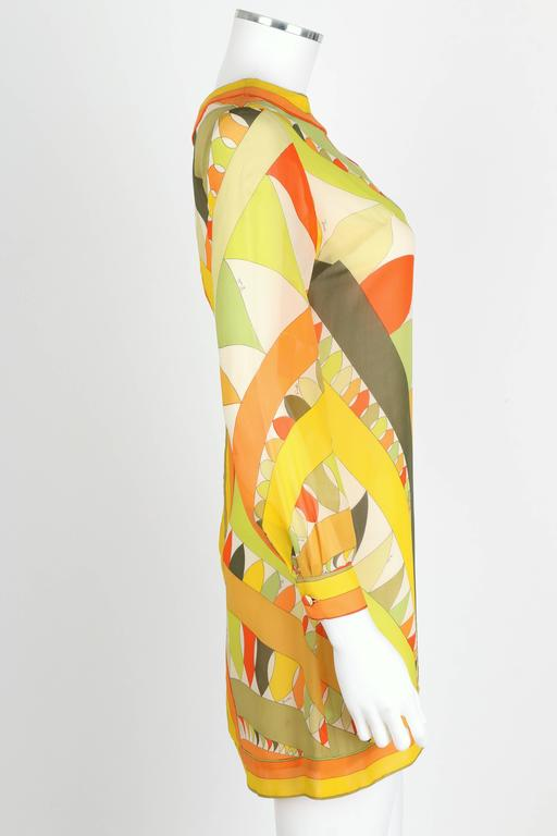 EMILIO PUCCI 1960s Lime Green Citrus Signature Print Long Sleeve Silk Dress Sz 6 In Excellent Condition For Sale In Thiensville, WI