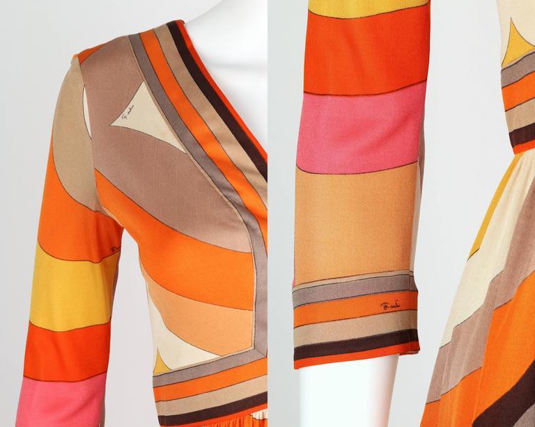 EMILIO PUCCI c.1960s Orange Abstract Signature Print Jersey V-Neck Dress Size 10 For Sale 3