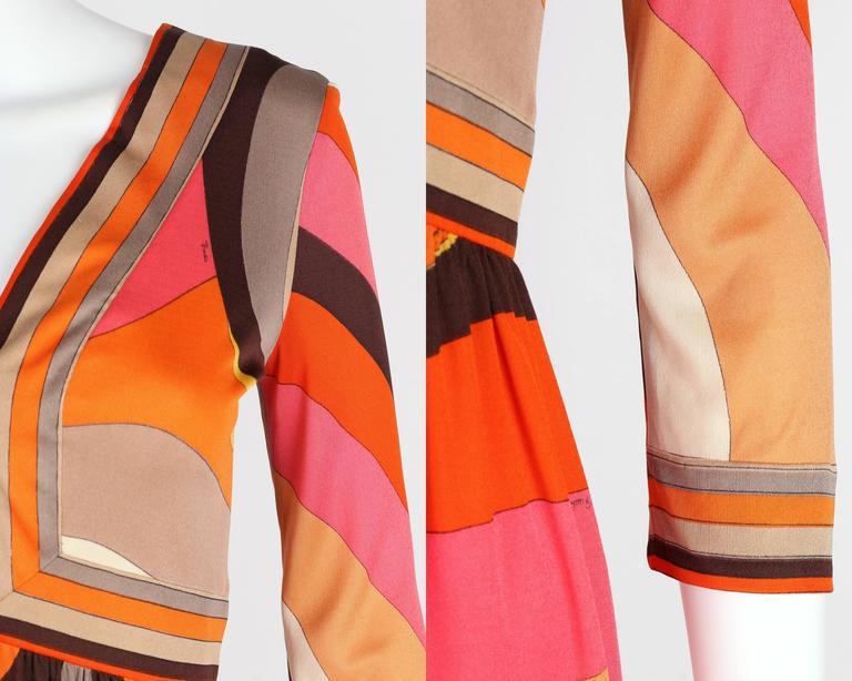 EMILIO PUCCI c.1960s Orange Abstract Signature Print Jersey V-Neck Dress Size 10 For Sale 4
