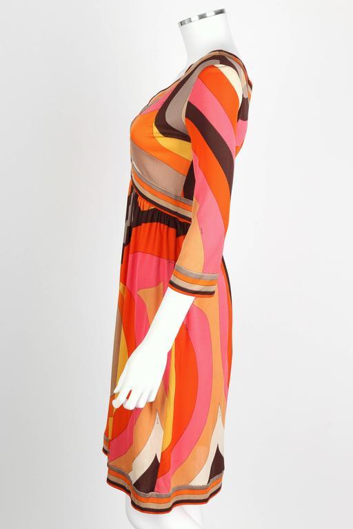 EMILIO PUCCI c.1960s Orange Abstract Signature Print Jersey V-Neck Dress Size 10 For Sale 1