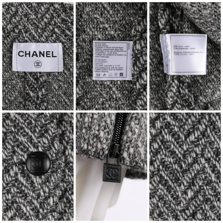 CHANEL A/W 2008 Collection Black White Wool Tweed Herringbone Dual Flap Jacket For Sale 5