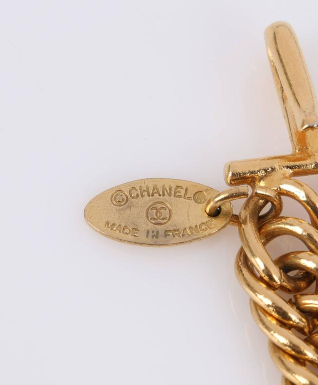 CHANEL 1980s CC Gold France Logo Lion Leo Sun Pendant Chunky Curb Chain Necklace For Sale 1
