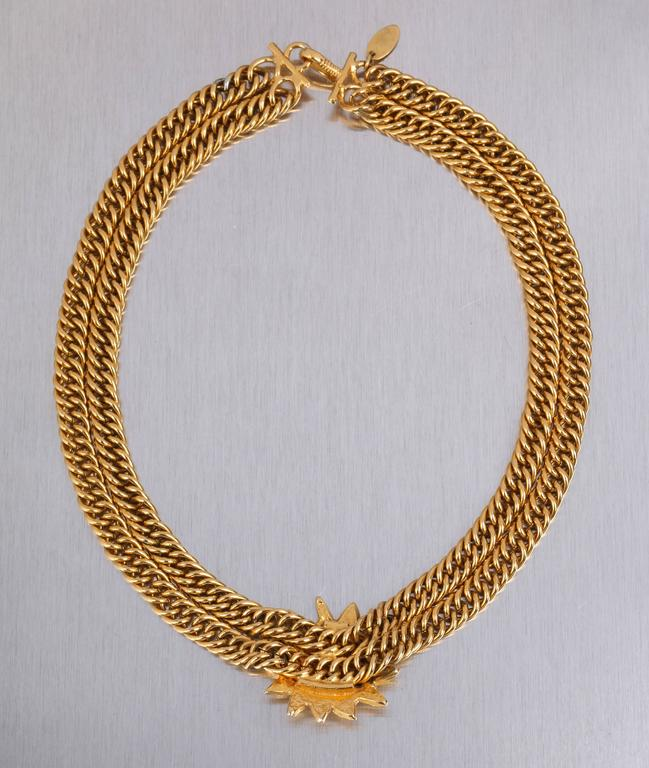 Women's CHANEL 1980s CC Gold France Logo Lion Leo Sun Pendant Chunky Curb Chain Necklace For Sale