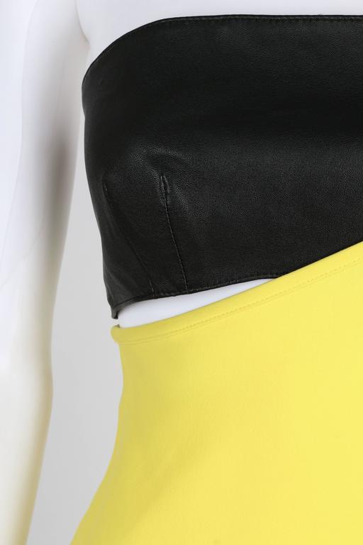 VERSUS GIANNI VERSACE c.1990 Yellow Black One Shoulder Dress Leather Bandeau Set For Sale 3