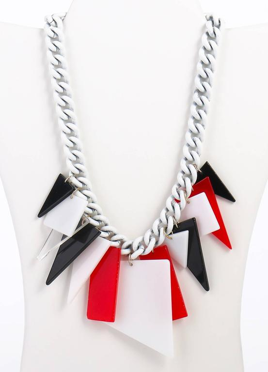 MOD c.1960s Red White Black Large Lucite Acrylic Geometric Enamel Chain Necklace 2