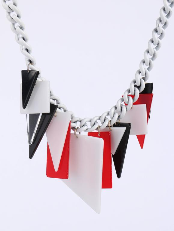 MOD c.1960s Red White Black Large Lucite Acrylic Geometric Enamel Chain Necklace 6