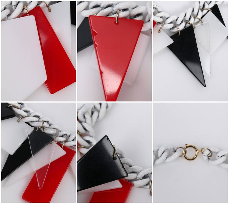 MOD c.1960s Red White Black Large Lucite Acrylic Geometric Enamel Chain Necklace 10