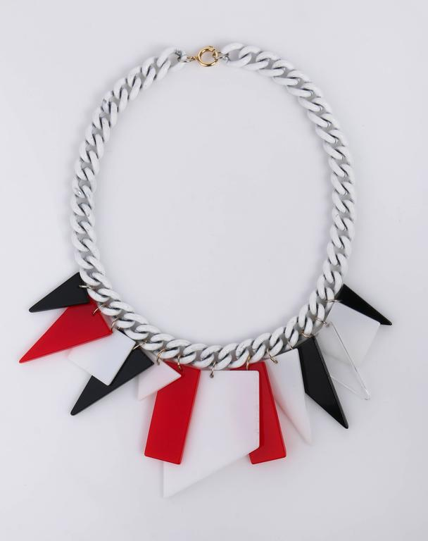 MOD c.1960s Red White Black Large Lucite Acrylic Geometric Enamel Chain Necklace 5