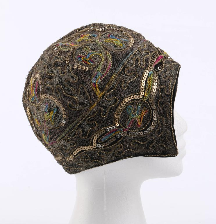 Gray COUTURE c.1920s Metallic Gold Embroidered Sequin Silk Flapper Cloche Evening Hat For Sale