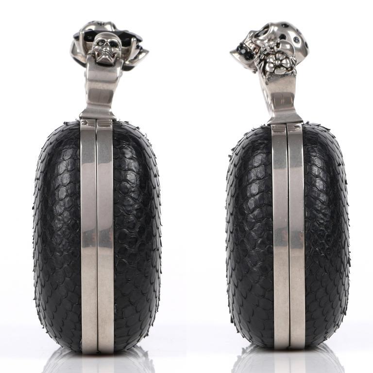 Women's ALEXANDER MCQUEEN S/S 2010 Black Genuine Python Skull Knuckle Duster Box Clutch For Sale