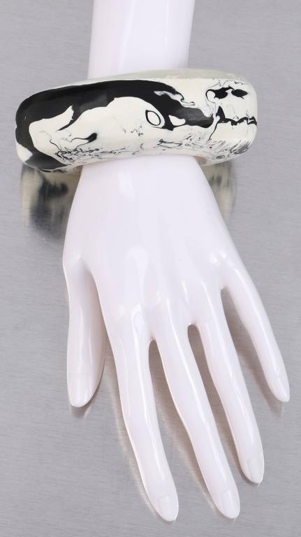 CARA CRONINGER c.2003 Resin Acrylic Black White Sculpted Artwear Cuff Bracelet 2