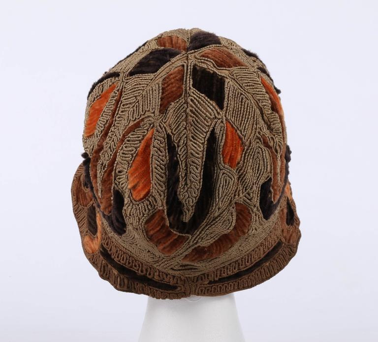 RICH ART MODELS c.1920's Gold Bronze Chenille Silk Corded Flapper Cloche Hat For Sale 3