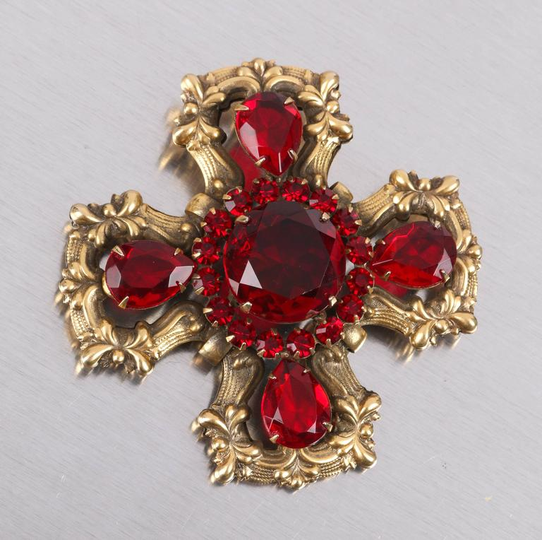 c.1940's Maltese Cross Brass Ruby Red Faceted Cut Glass Open Work Brooch Pin 2