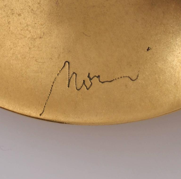 ROBERT LEE MORRIS c.1980's 24K Gold Plated Brass Sculpted Disc Art Wear Necklace For Sale 2