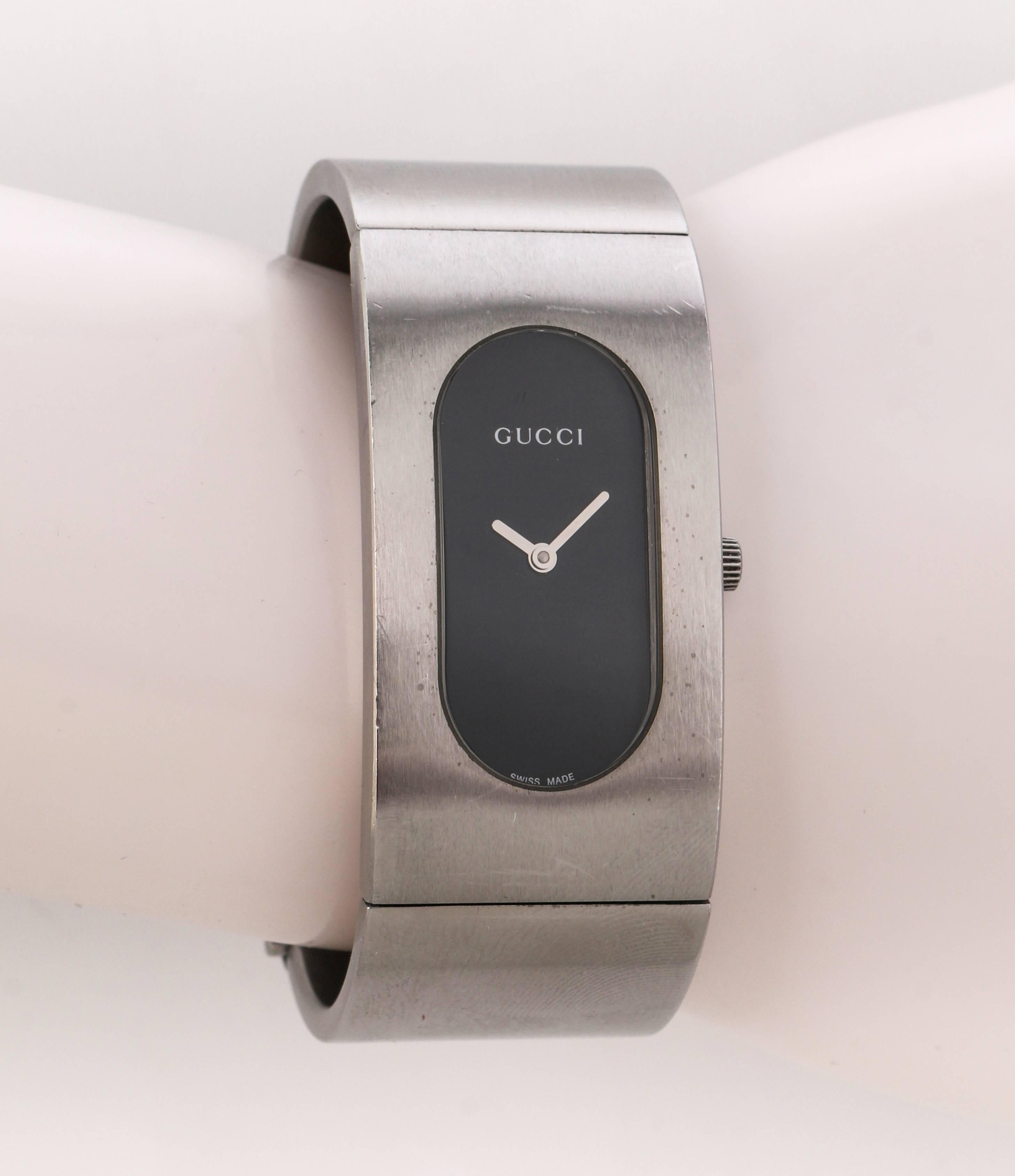 a13238c85a4 GUCCI 2400L Black Oval Dial Stainless Steel Ladies Bangle Bracelet Watch  For Sale at 1stdibs