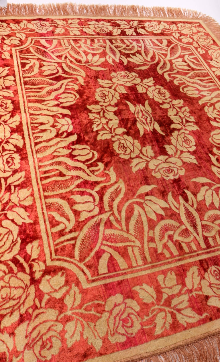 Art Nouveau Edwardian Red Floral Rose Velvet Fringed Bedspread / Throw c1910s In Excellent Condition For Sale In Thiensville, WI