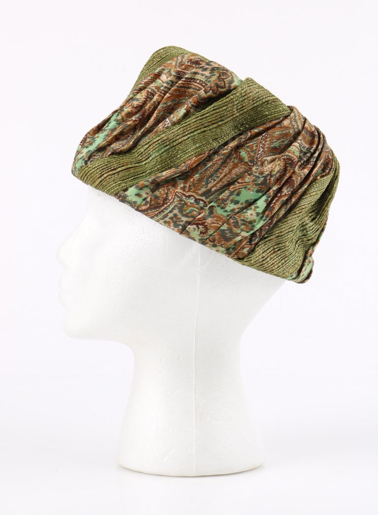 Women's Miss Dior by CHRISTIAN DIOR c.1960s Green Paisley Silk & Straw Pleated Toque Hat For Sale