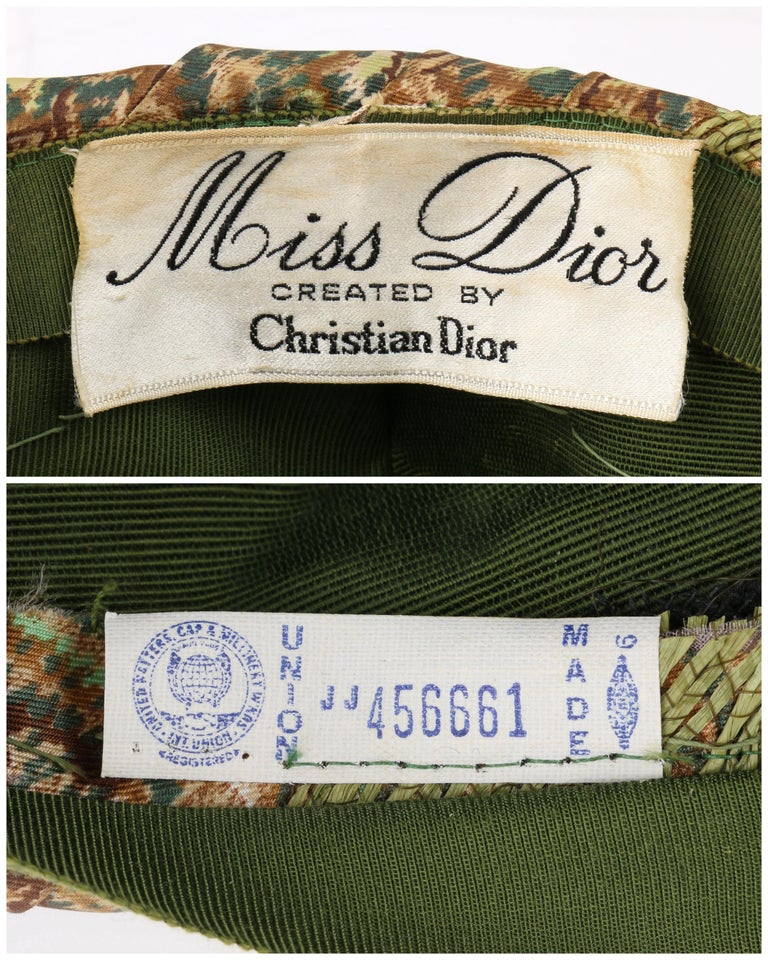 Miss Dior by CHRISTIAN DIOR c.1960s Green Paisley Silk & Straw Pleated Toque Hat For Sale 3