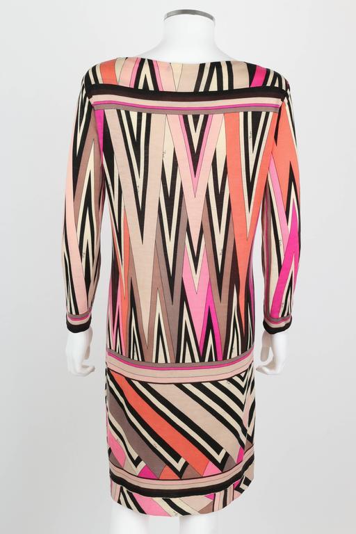 EMILIO PUCCI c.1960's Multicolor Zigzag Signature Print Drop Waist Shift Dress In Excellent Condition For Sale In Thiensville, WI
