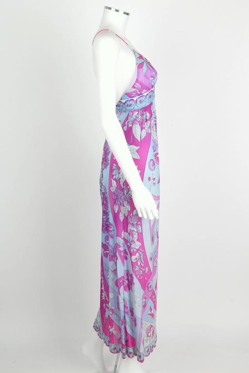 EMILIO PUCCI c.1970's Formfit Rogers Pale Blue Floral Print Long Slip Maxi Dress In Excellent Condition For Sale In Thiensville, WI
