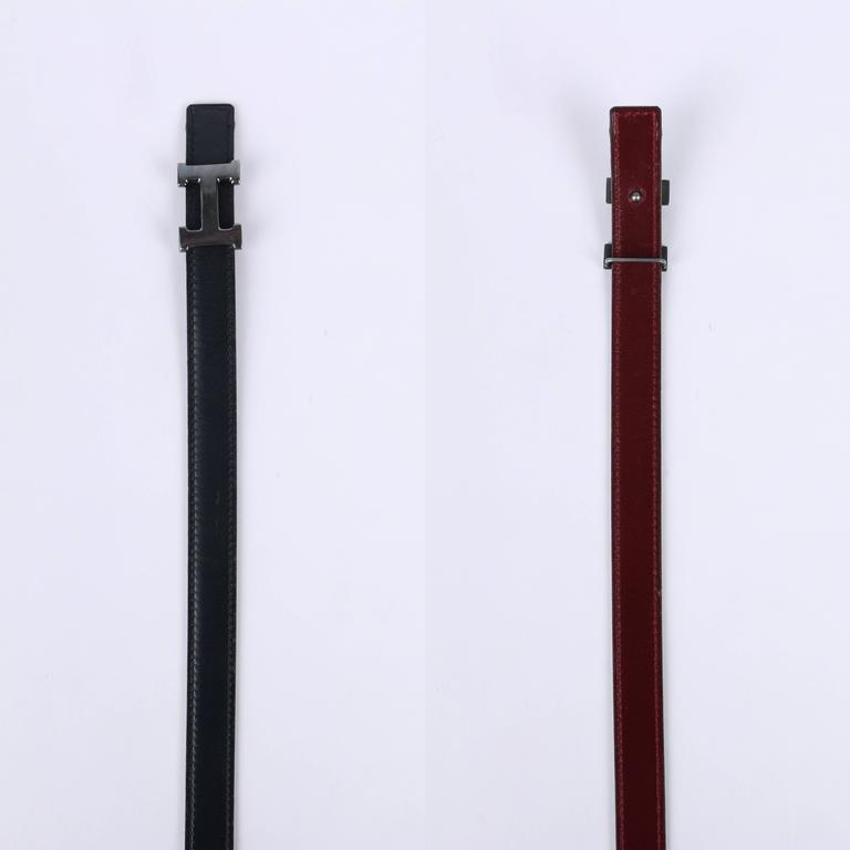 Red HERMES c.1987 Navy Blue Burgundy Leather Reversible Ruthenium H Buckle Belt 75 For Sale