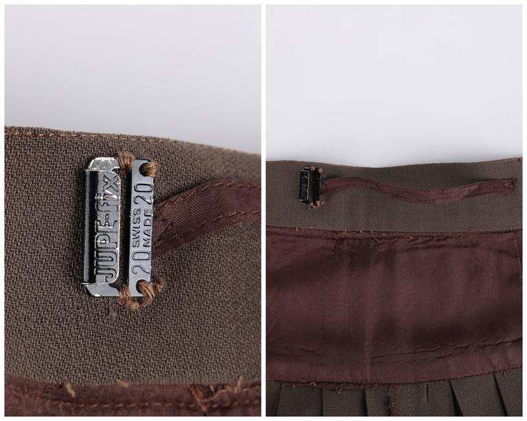 CHANEL c.1990's Dark Taupe Button Front Knife Pleated Skirt For Sale 3