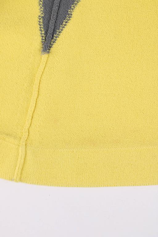 ALEXANDER McQUEEN Resort 2010 Yellow Black Gray Starburst Op Art Knit Tank Top For Sale 5