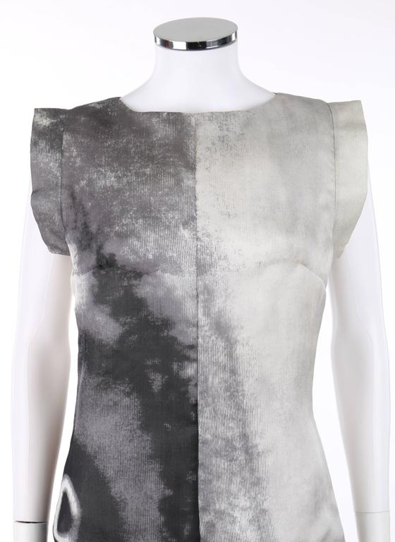 GIVENCHY Couture S/S 1999 ALEXANDER McQUEEN Black White Abstract Eye Print Dress For Sale 1