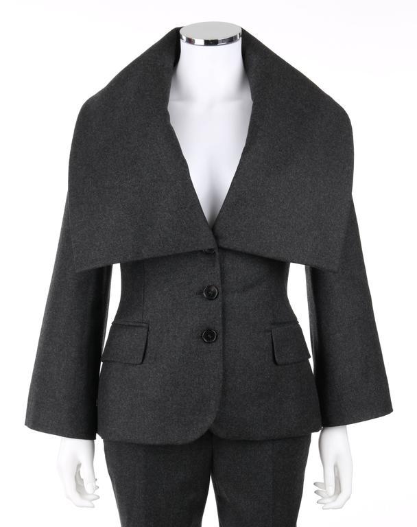 ALEXANDER McQUEEN Pre-Fall 2009 2 Piece Gray Wool Cashmere Blazer Pant Suit Set 2