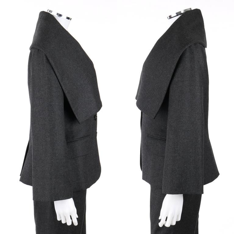 ALEXANDER McQUEEN Pre-Fall 2009 2 Piece Gray Wool Cashmere Blazer Pant Suit Set 4