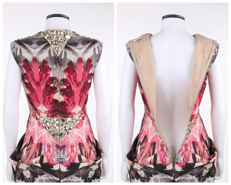 "ALEXANDER McQUEEN S/S 2009 ""Natural Dis-tinction"" Kaleidoscope Crystal Dress For Sale 1"