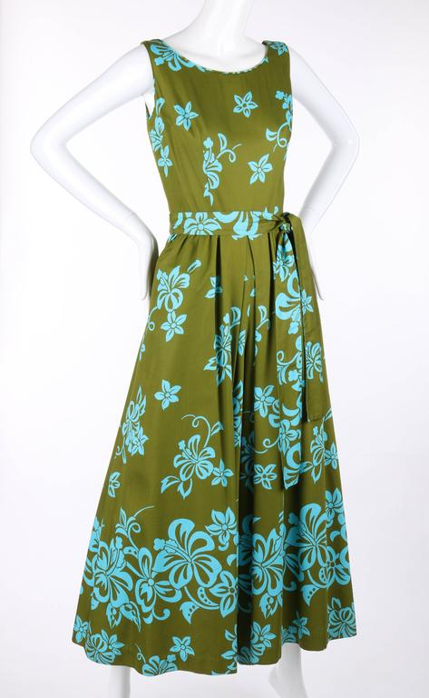 WALTAH CLARKE'S HAWAIIAN SHOP c.1960's Olive Green & Turquoise Floral Jumpsuit In Excellent Condition For Sale In Thiensville, WI
