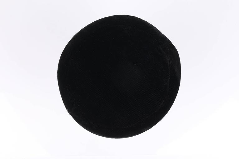 YVES SAINT LAURENT c.1960's YSL Mod Black Velvet Saucer Tam Hat For Sale 4