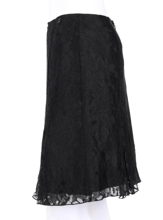CHANEL A/W 2006 Black Floral Lace Box Pleated Skirt  For Sale 1