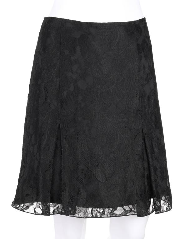 Chanel A/W 2006 black floral lace overlay box pleated skirt. Black
