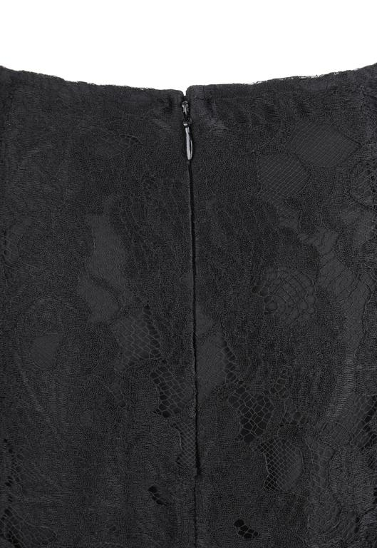 CHANEL A/W 2006 Black Floral Lace Box Pleated Skirt  For Sale 2