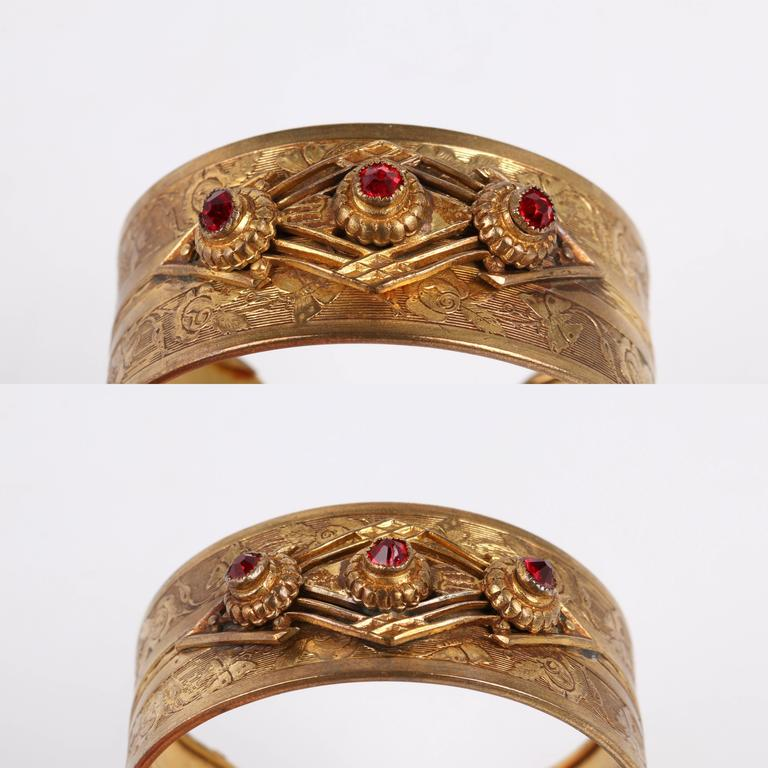 VICTORIAN REVIVAL c.1930's Floral Etched Brass Red Crystal Cuff Bracelet For Sale 3