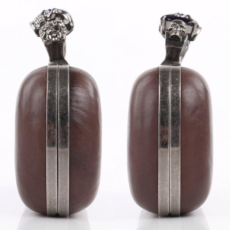 ALEXANDER McQUEEN S/S 2010 Brown Leather Long Skull Knuckle Duster Box Clutch In Excellent Condition For Sale In Thiensville, WI