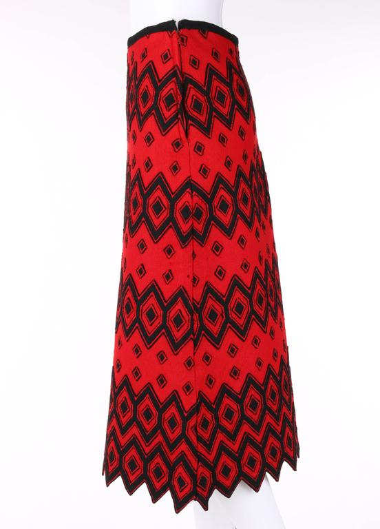 ANNE KLEIN c.1970's Red & Black Diamond Wool Felt A-line Skirt For Sale 1