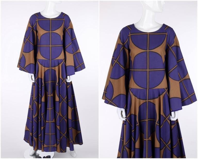 MARIMEKKO c.1971 Purple & Brown Cotton Circle Windowpane Print Maxi Dress In Good Condition For Sale In Thiensville, WI