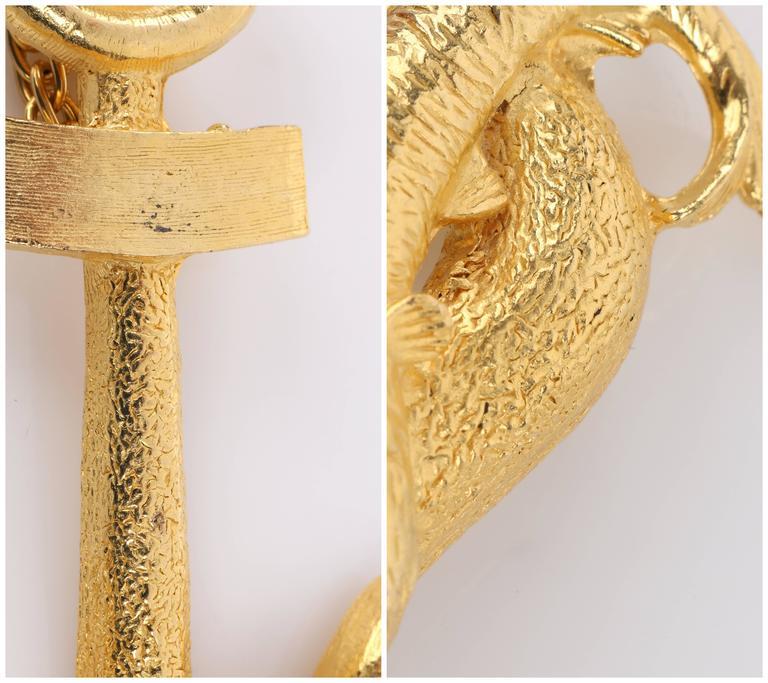 HATTIE CARNEGIE c.1970's Large Gold Fish & Anchor Pendant Statement Necklace 10