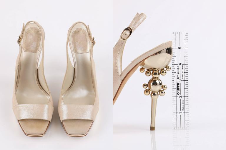 CHRISTIAN DIOR Resort 2008 Beige Metallic Gold Suede Sculpted Heel Platform Pump For Sale 2
