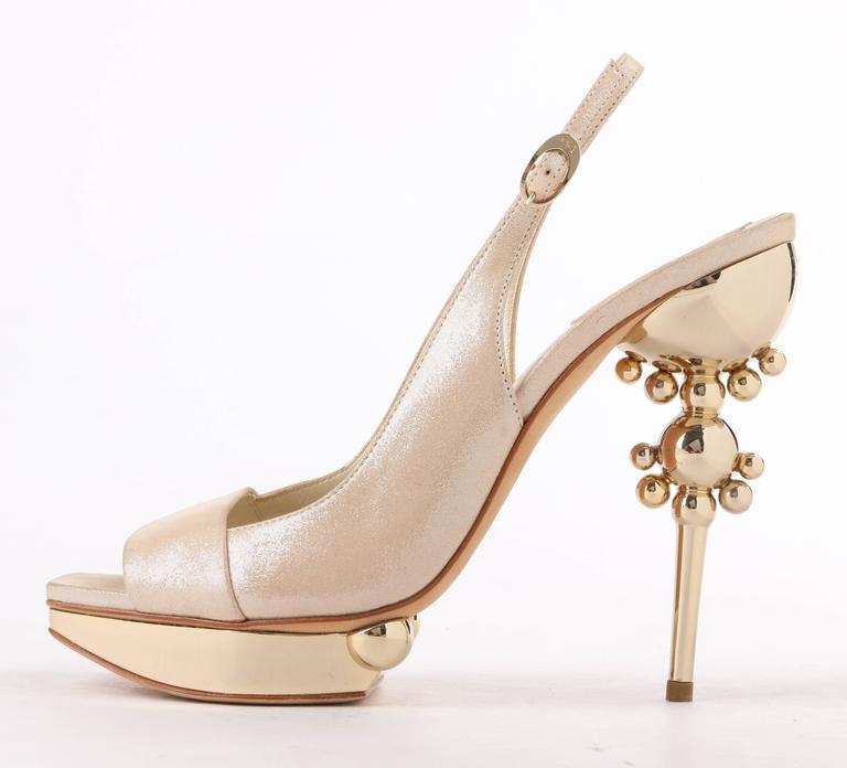 CHRISTIAN DIOR Resort 2008 Beige Metallic Gold Suede Sculpted Heel Platform Pump In New Condition For Sale In Thiensville, WI