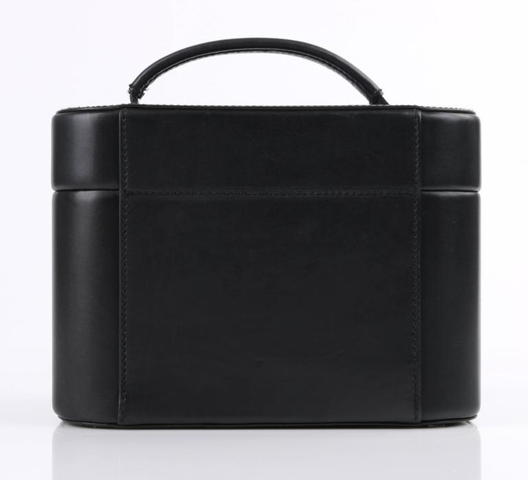 Women's GUCCI Black Genuine Leather Structured Train Case Cosmetic Travel Bag Box Purse For Sale