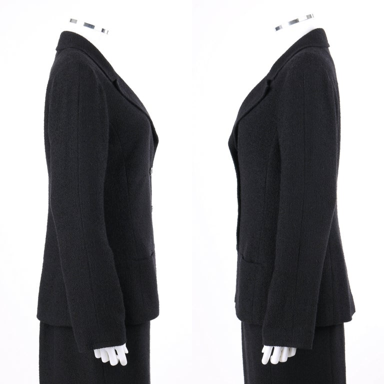 CHANEL A/W 1998 2 Piece Classic Black Boucle Wool Blazer Pencil Skirt Suit Set In Excellent Condition For Sale In Thiensville, WI