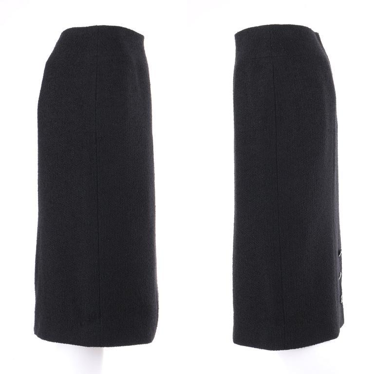 CHANEL A/W 1998 2 Piece Classic Black Boucle Wool Blazer Pencil Skirt Suit Set For Sale 2