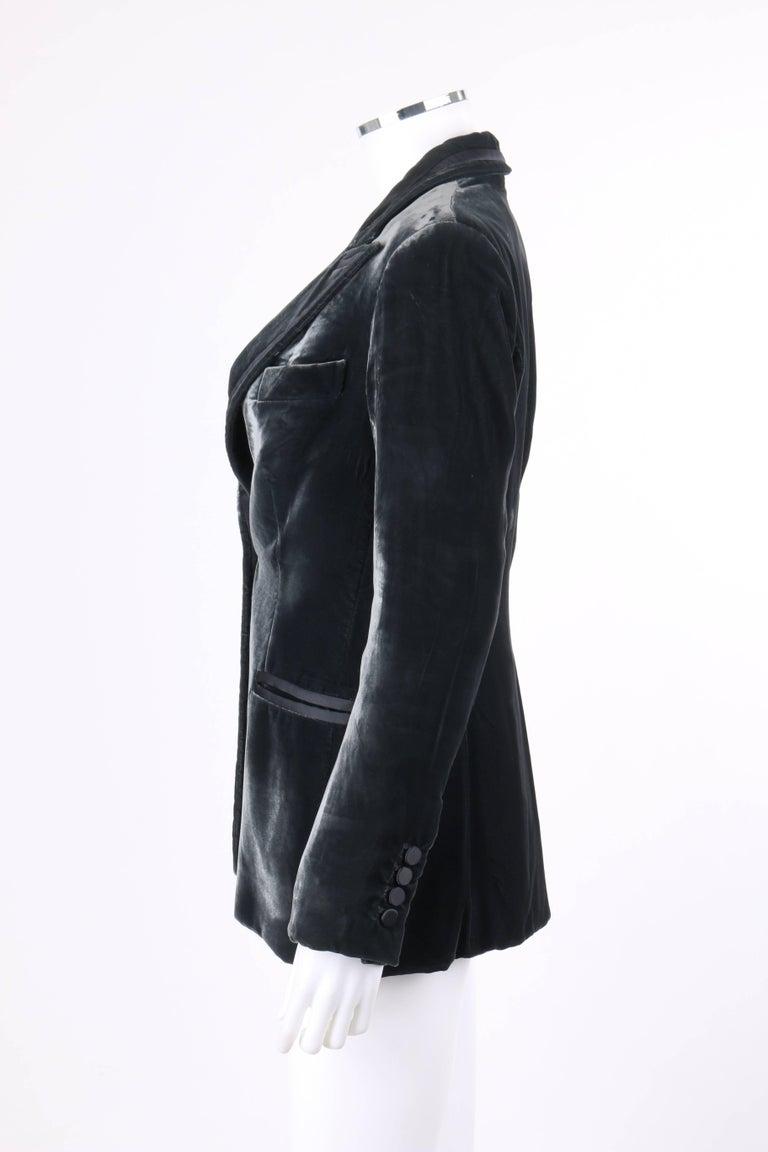 GUCCI A/W 2004 TOM FORD Charcoal Gray Velvet Peak Lapel Tuxedo Jacket Blazer For Sale 1