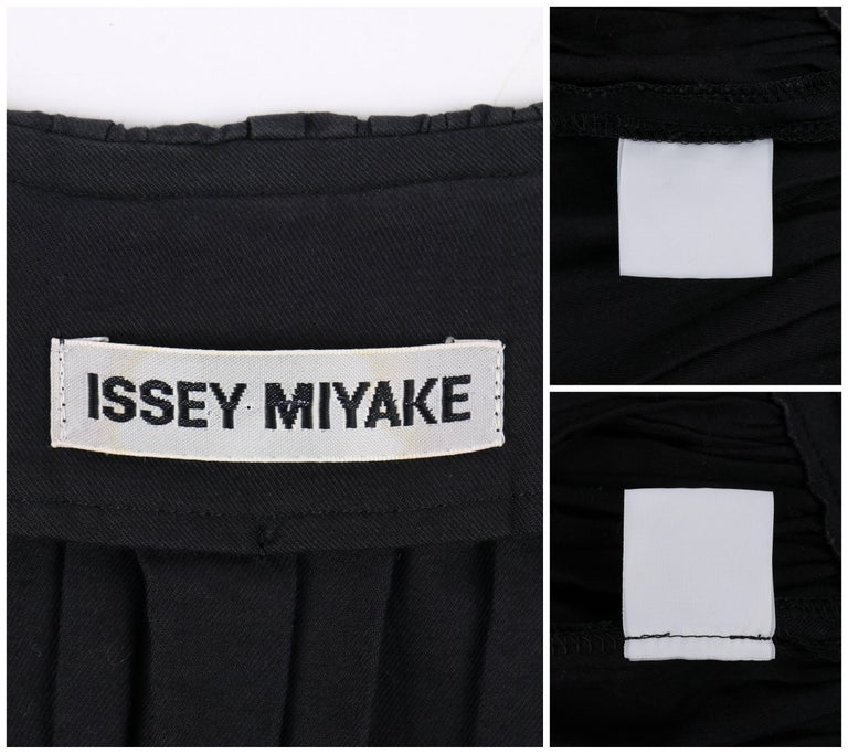 ISSEY MIYAKE Black Gathered Detail Zip Front Jacket For Sale 2