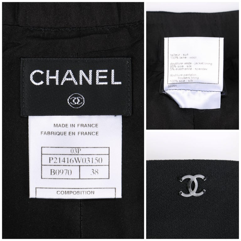 CHANEL S/S 2003 Classic Black Wool Slim Cut Cropped Pants Trousers For Sale 3